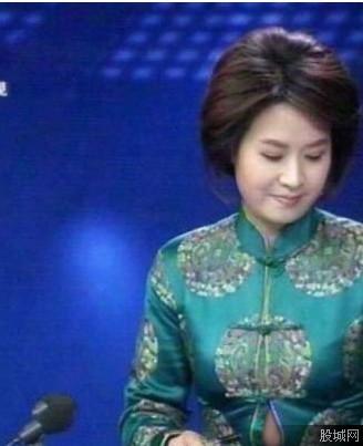 贵州卫视的女主播_贵州卫视的女主播不慎走光肚皮 网友:摄像大哥你是故意的
