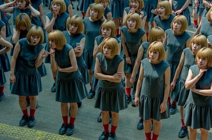 日本创意摄影:女克隆人多元化的一面