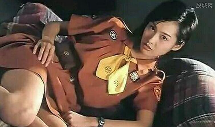 朱茵主演的三级_朱茵三级片有哪些? 曾被骗拍片成香港最性感女星