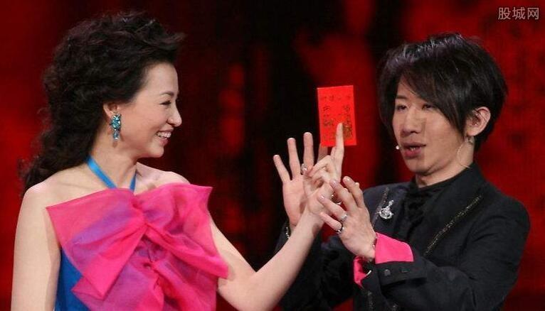 刘谦下跪门是怎么回事 刘谦因下跪门而遭观众抵制图片