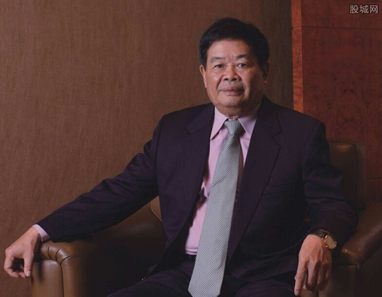 72岁曹德旺谈工作