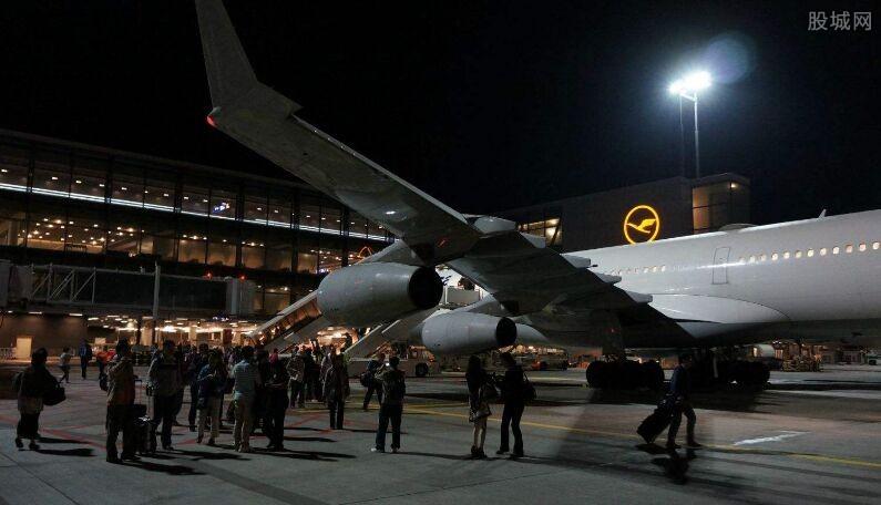 德国机场瘫痪