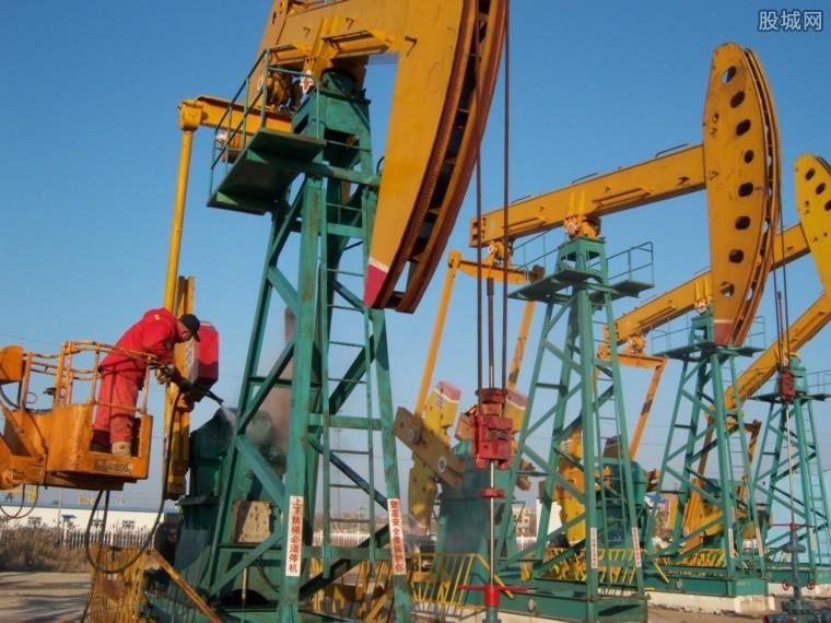 油价收于三年高点