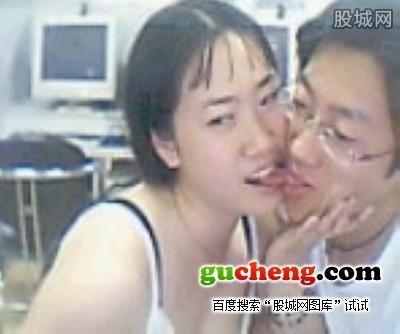 芙蓉姐姐与芙蓉姐夫曾激情舌吻