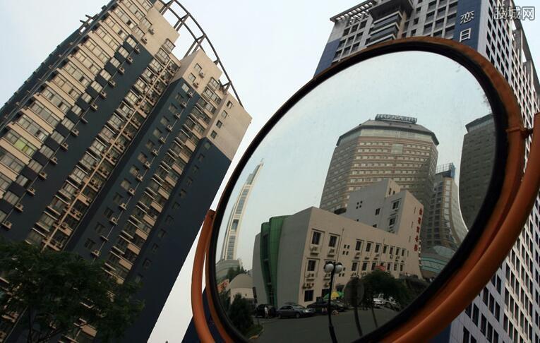 有的北京学区房降200万