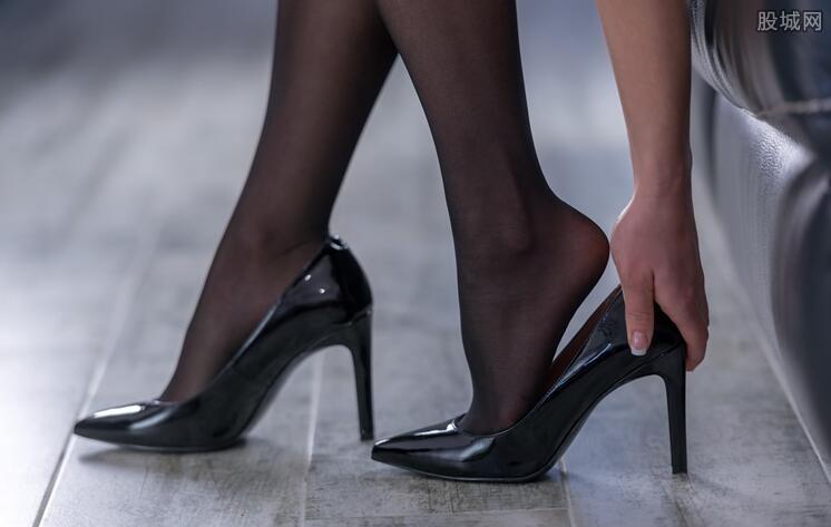 日本抗议上班穿高跟鞋