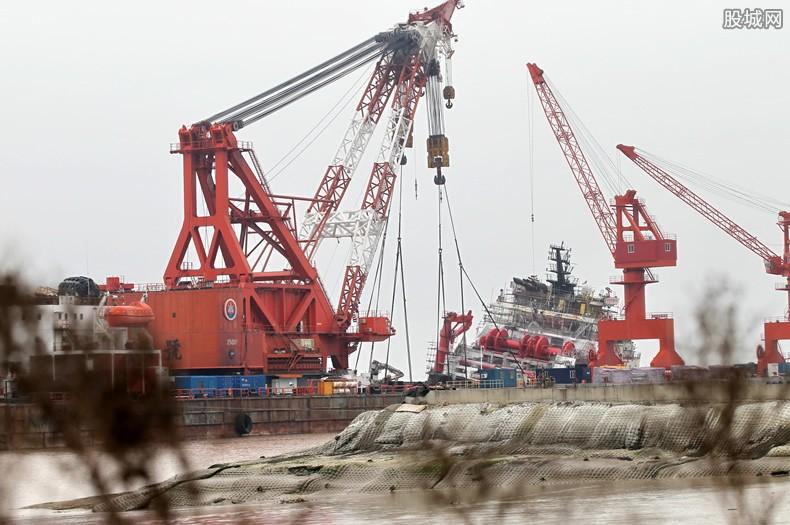 中国暂停买伊朗石油