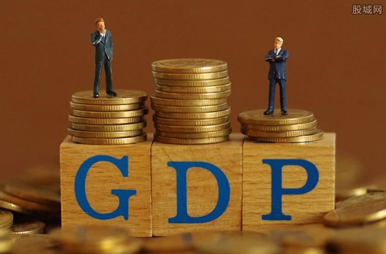 各国gdp排名_疫情大爆发之际,国际货币组织预测各国GDP增速,第一名引发争议