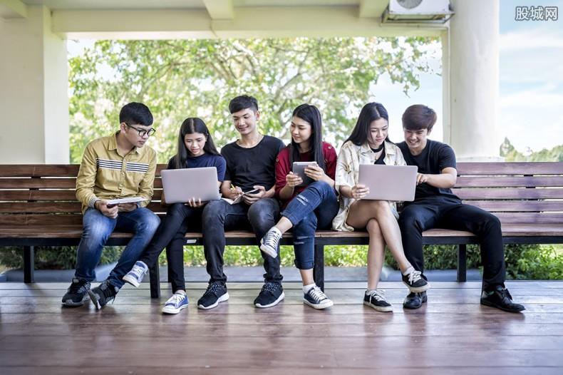 越来越多留学生回国