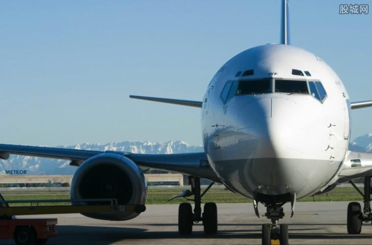 全球航空艰难求生