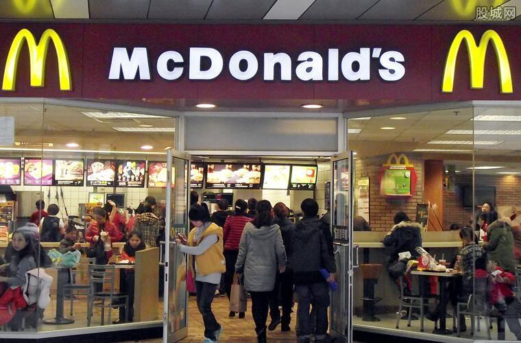 麦当劳对一次性餐具收费引热议