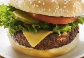 女子吃麦当劳汉堡发现大量活虫 画面过于惊悚